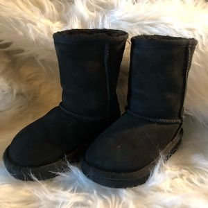 UGG classic size 9 black suede good condition